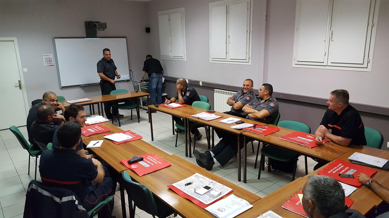 10 officiers pompiers israéliens à Valabre